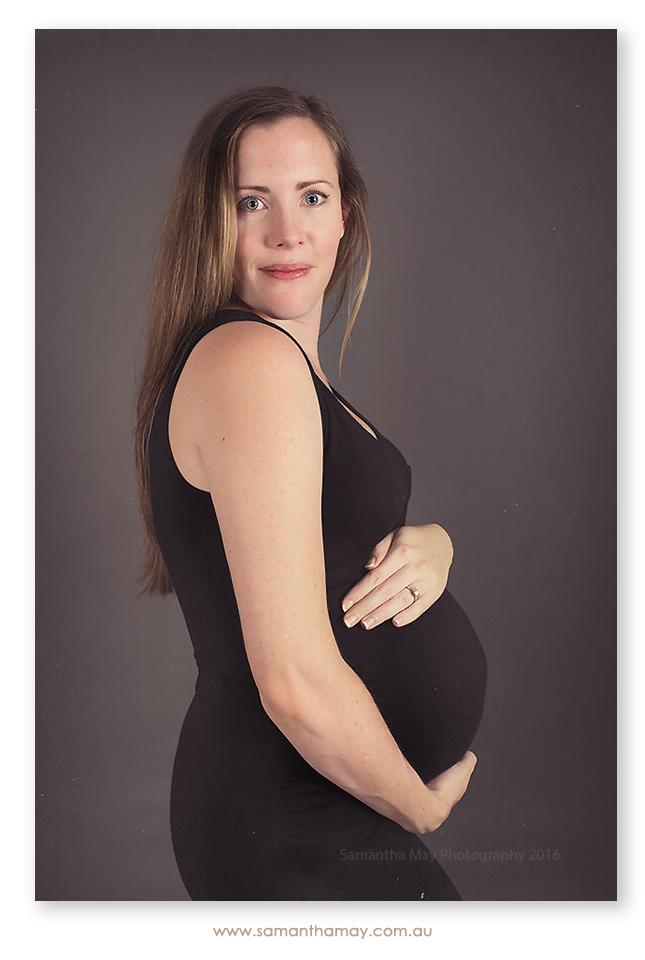 maternity photography in perth, pregnant demi pose