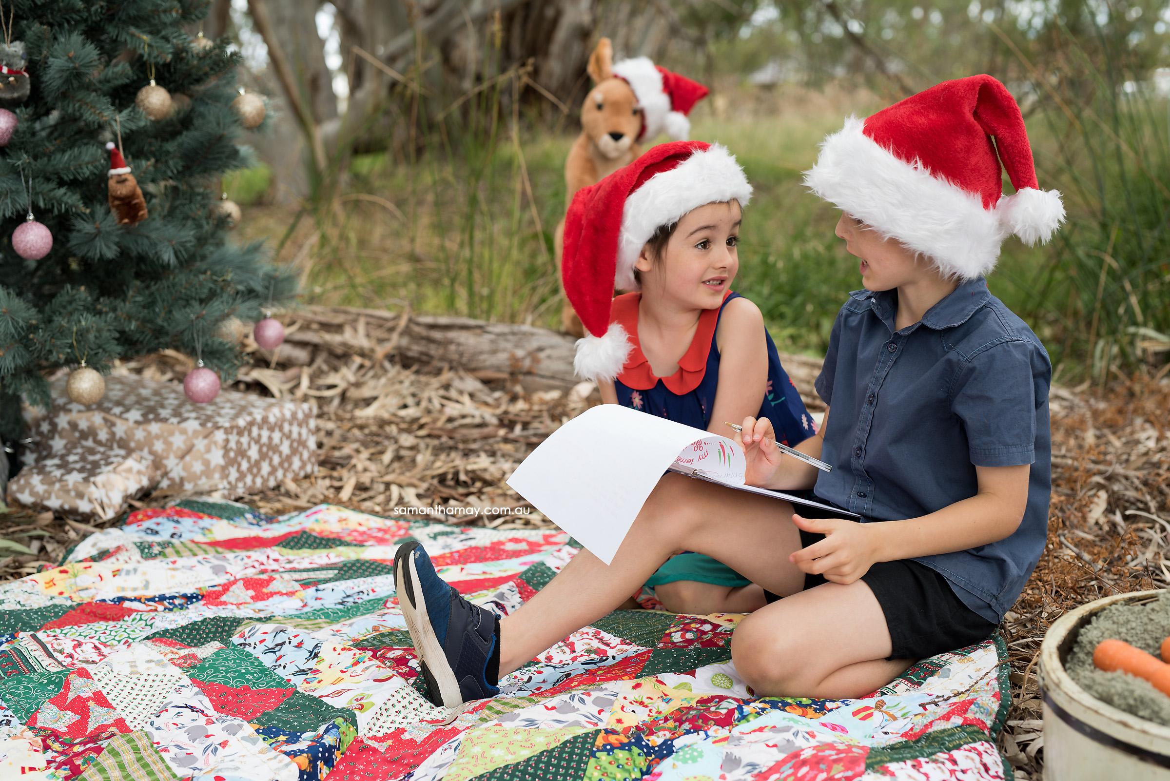 two children Aussie Bush Christmas